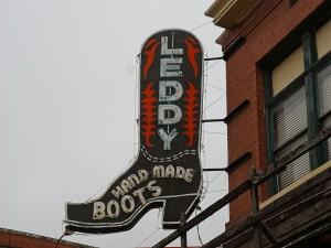 Leddy boots sign-1