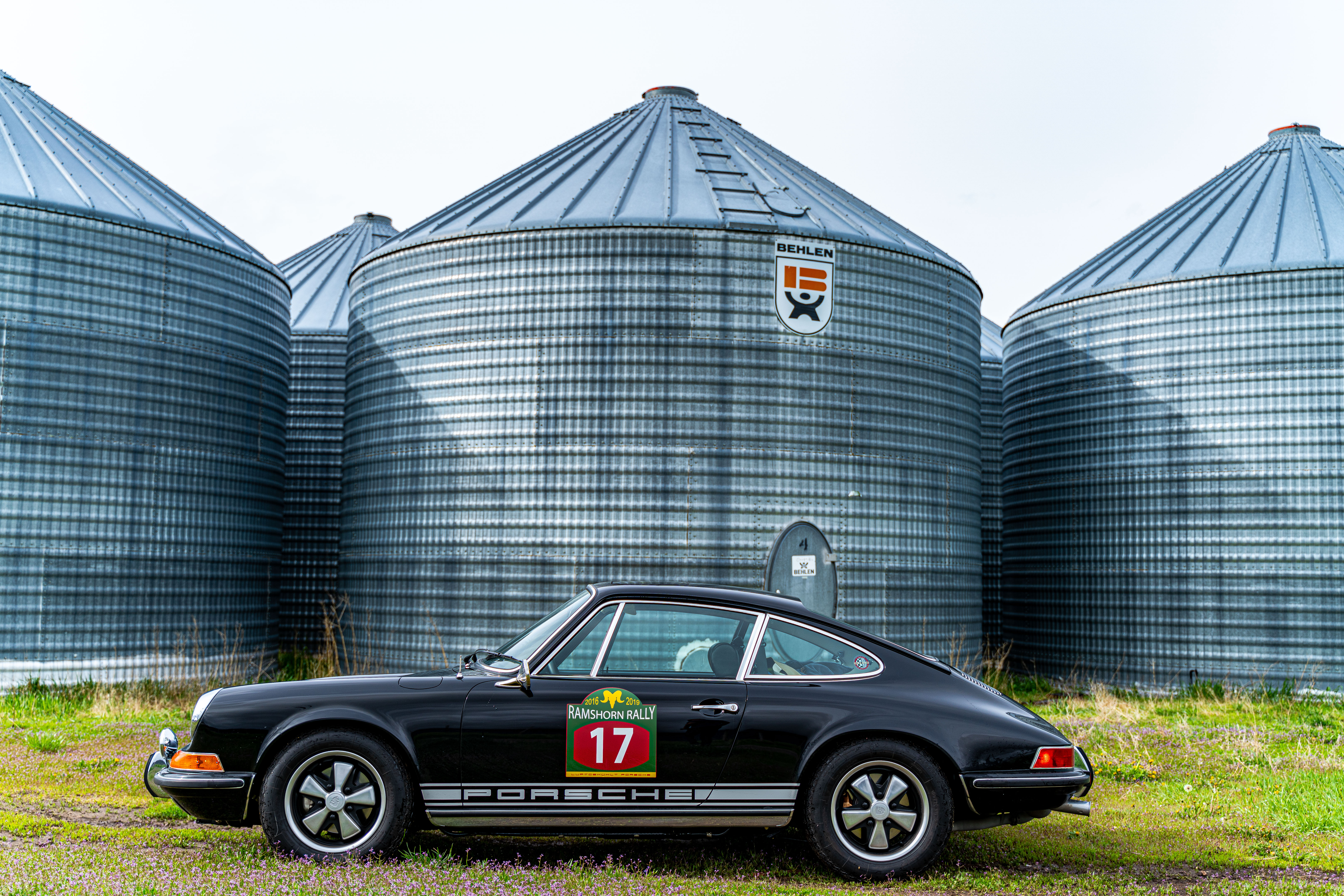 911S next to silo - better